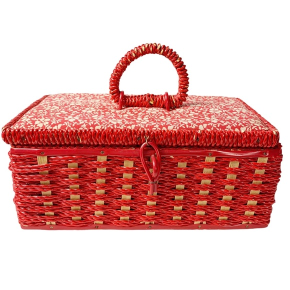 VTG little red chippy sewing basket 5x9x4